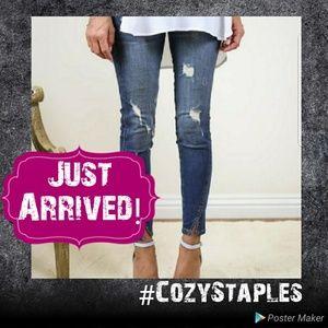 Distressed Split Ankle Jeans